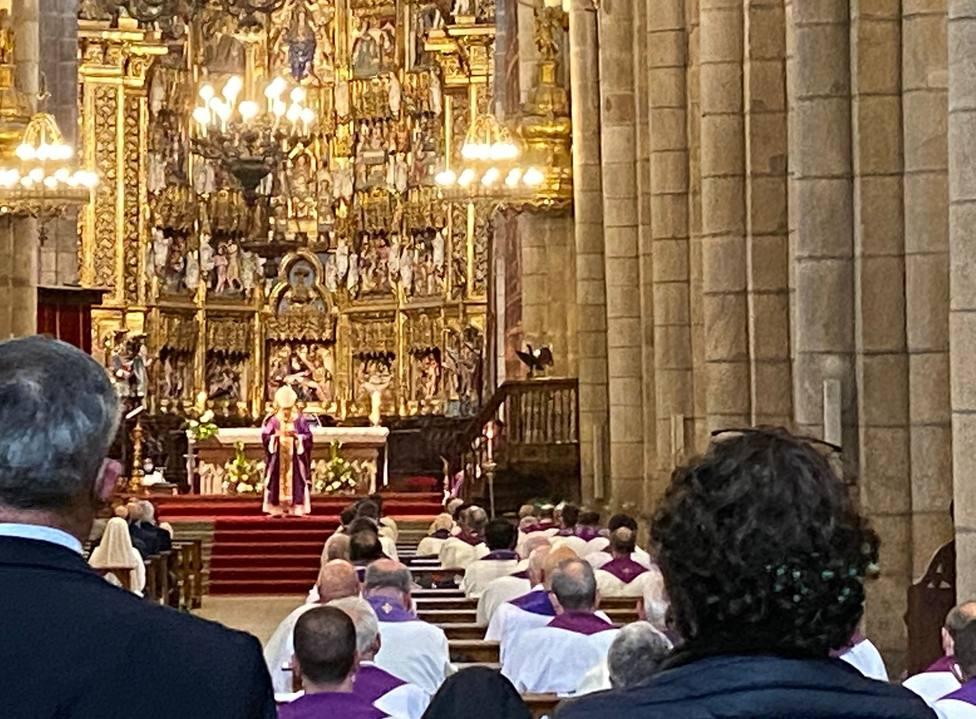 Misa funeral en la Catedral de Ourense