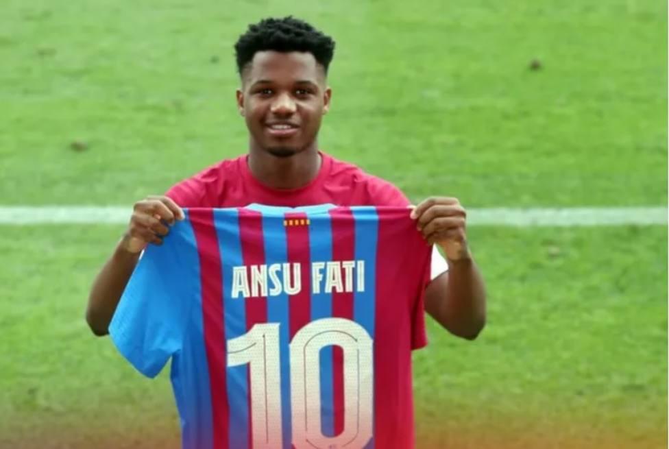 Ansu Fati con su nuevo dorsal