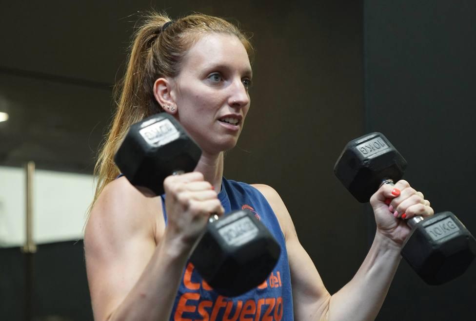 Laura Gil, trabajando en el gimnasio