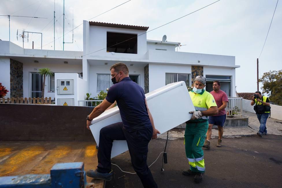 El Gobierno de Canarias comprará 73 viviendas vacías para las personas afectadas por el volcán de La Palma