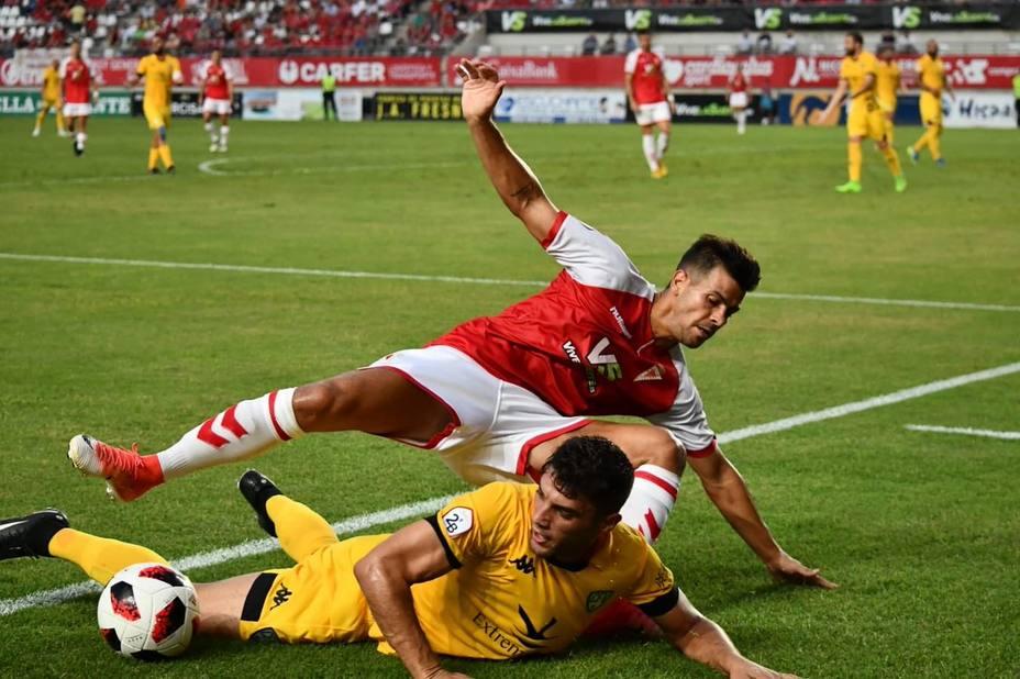 El Real Murcia fue un querer y no poder ante el Villanovense (0-0)