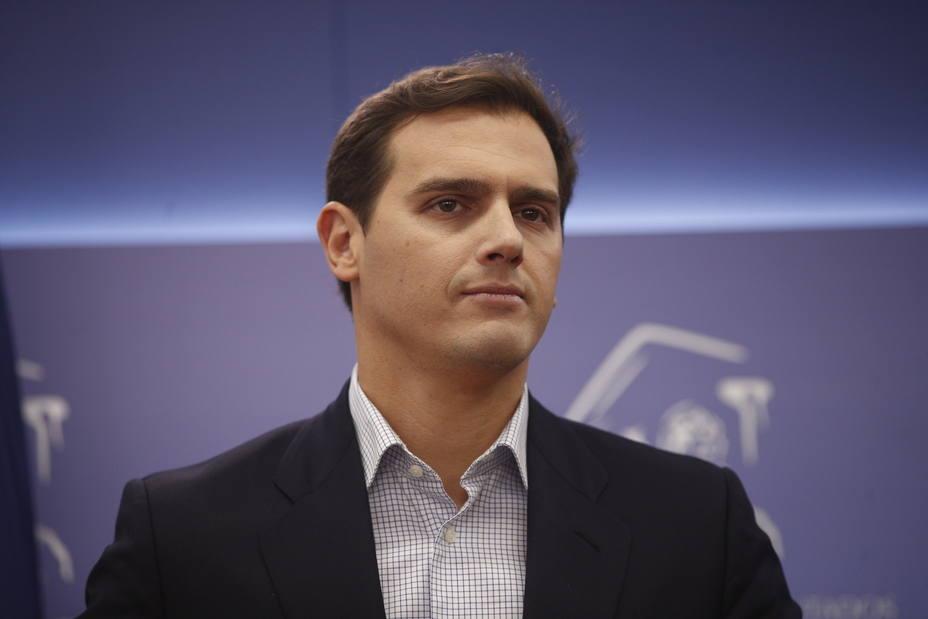 Rivera afirma que 37 años de gobiernos del PSOE-A en Andalucía no se cambian en un cuarto de hora