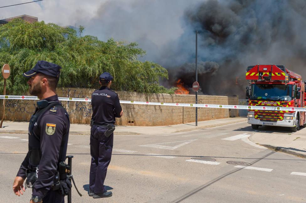Los heridos críticos en el incendio de un edificio de Ibiza continúan en la UCI estables dentro de la gravedad