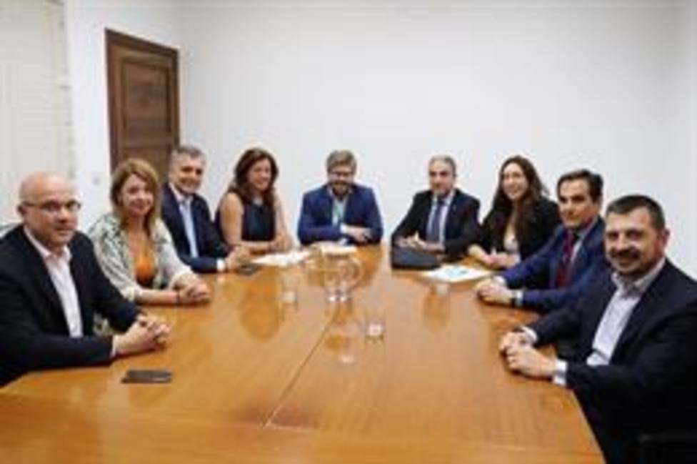 PP-A y Cs llegan a acuerdo para gobernar en importante número de municipios