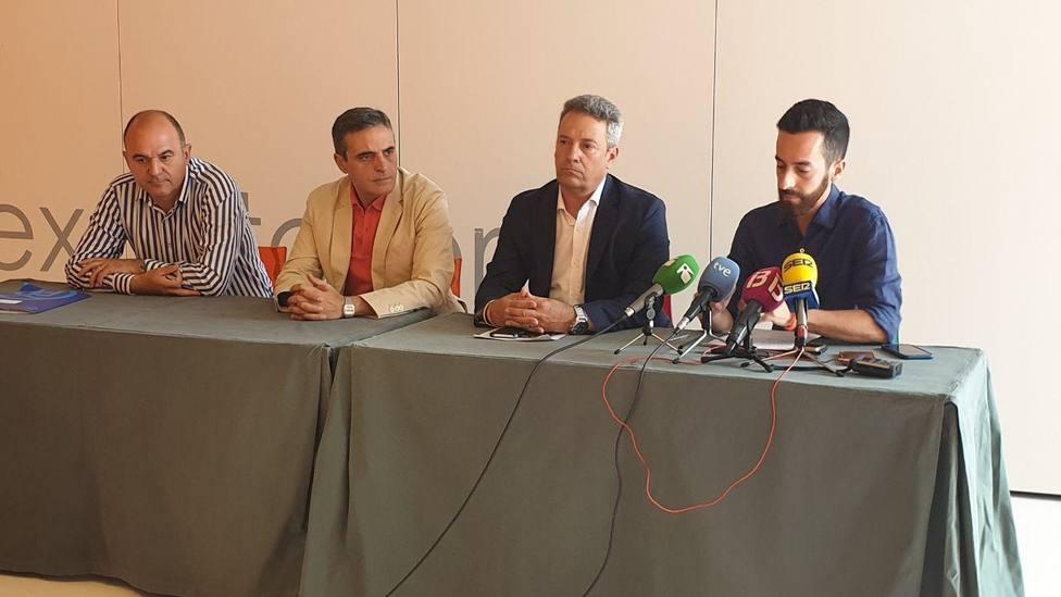 PP y Cs firman el acuerdo de gobierno del Consell de Ibiza