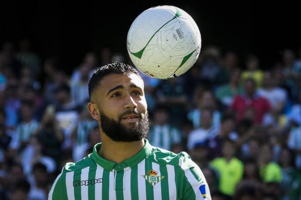 Fekir en su presentación con el Betis en el Benito Villamarín