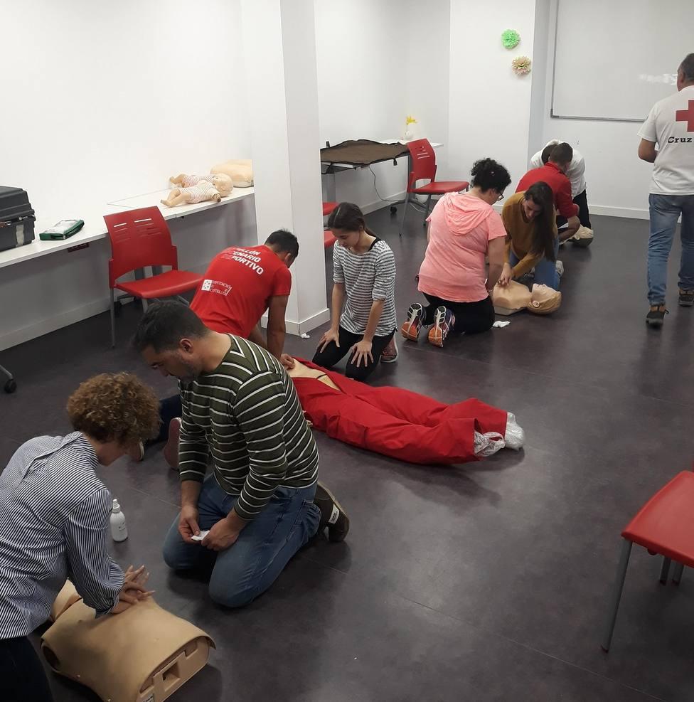 Curso de primeros auxilios de Cruz Roja