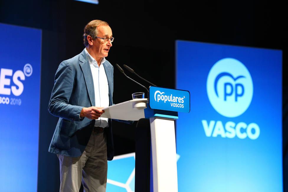 El presidente del PP vasco tilda de nazi la propuesta presentada por EH Bildu en el parlamento vasco