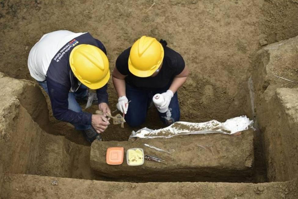 Así trabajan los ladrones que roban los históricos tesoros que hay enterrados en España