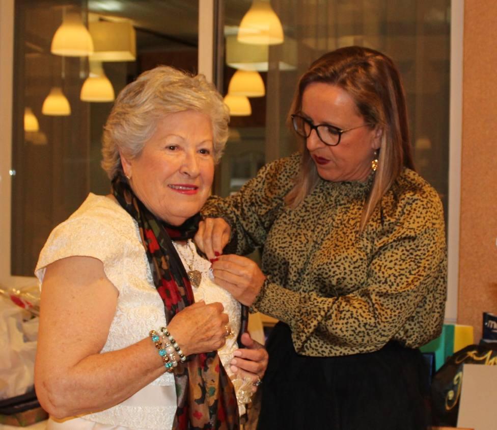 El Ayuntamiento de Águilas recibe la jeringuilla de oro de ADIA por su colaboración con los viajes inclusivos