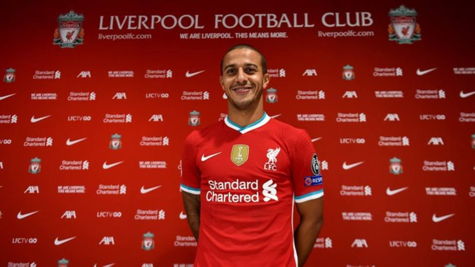 Thiago Alcántara refurza la medular del Liverpool