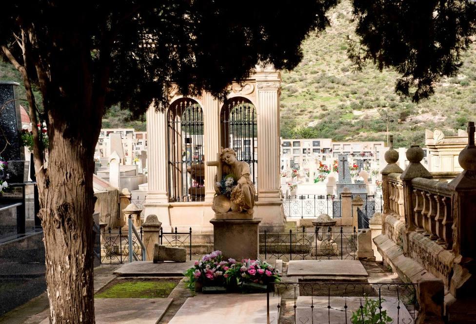El Ayuntamiento contrata seguridad privada para los cementerios con motivo del Día de Todos los Santos