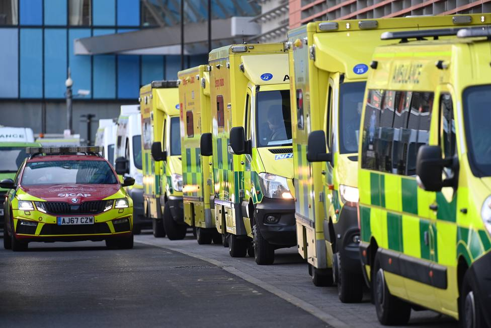 NHS under extereme pressure as Covid cases continue to soar across UK