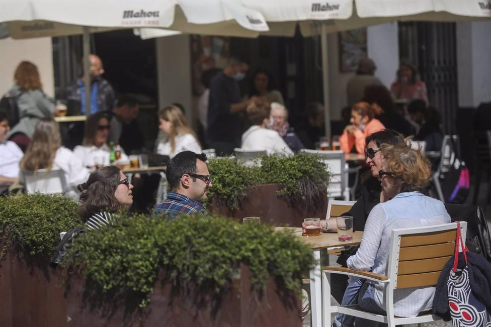 Sevilla.- Cvirus.- Hosteleros facturan un 35% menos que la Semana Santa de 2019, pero ha supuesto un balón de oxígeno