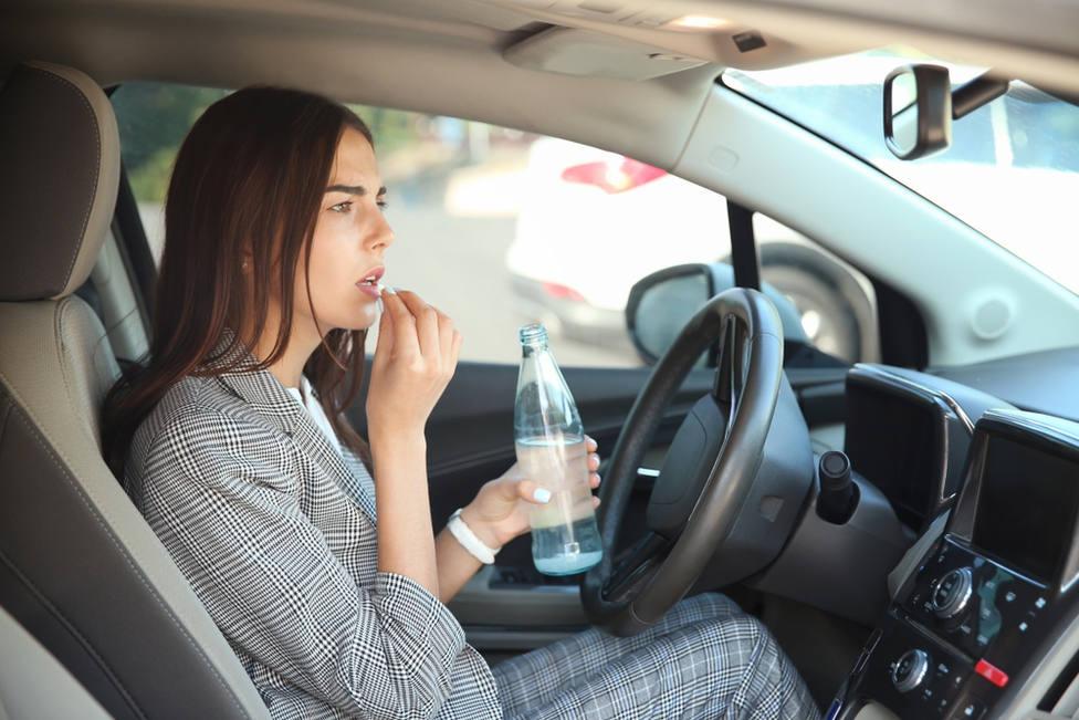 La DGT alerta del riesgo que corres al tomar estos medicamentos mientras conduces