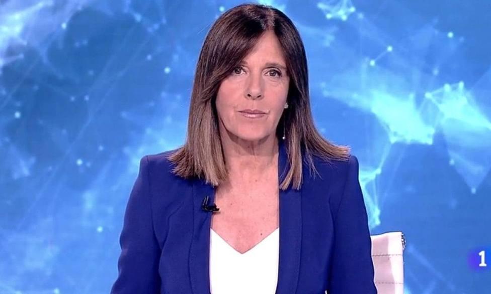 Ana Blanco frena el Telediario para explicar el papel de TVE en la campaña de Madrid: Queremos recordar