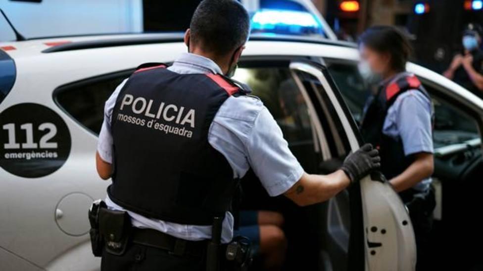Un joven de 18 años es detenido por la muerte de un hombre en LHospitalet