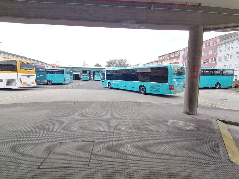 Foto de archivo de varios autobuses en la estación de Ferrol