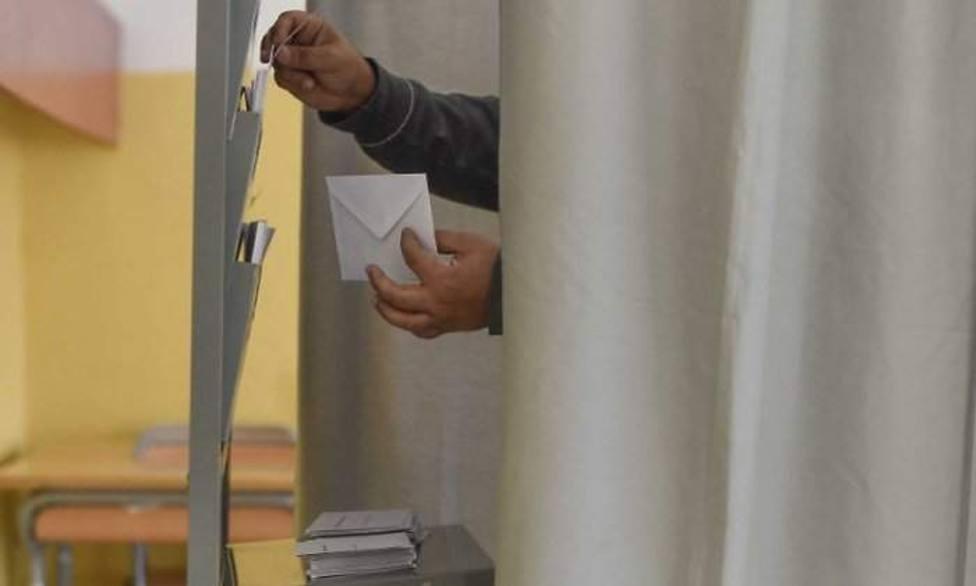 La abstención marcaría una cifra histórica el 10 de noviembre con un 35%, según un nuevo sondeo