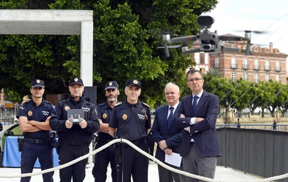 Policía Local contará por primera vez con drones en su equipamiento para vigilar las zonas de difícil acceso