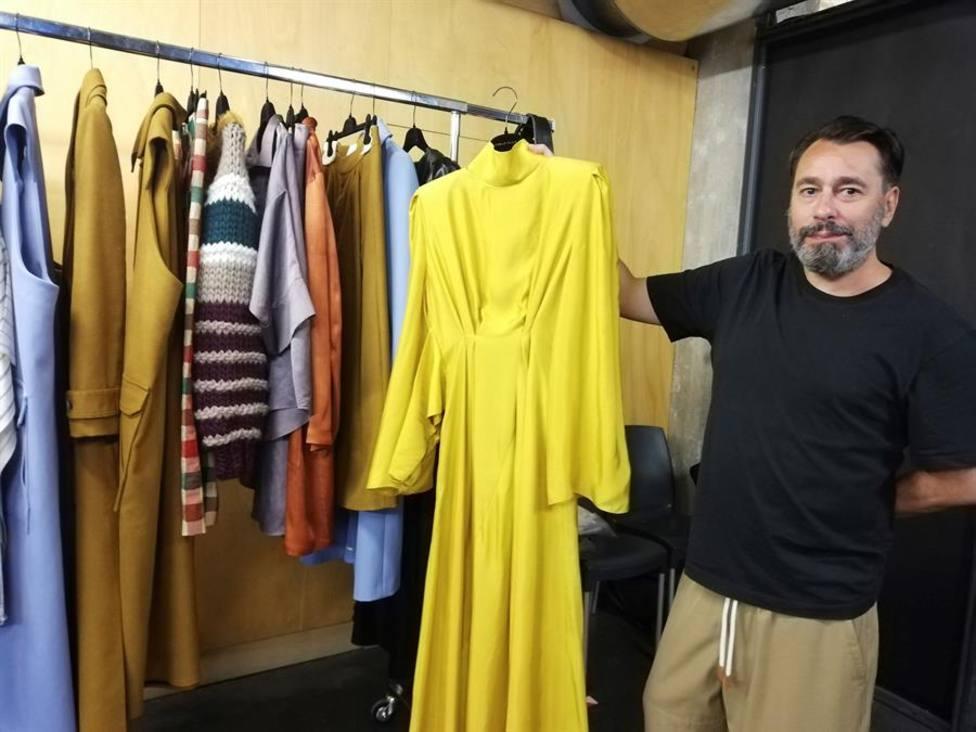 Juanjo Oliva apuesta por un armario femenino con prendas atemporales y versátiles