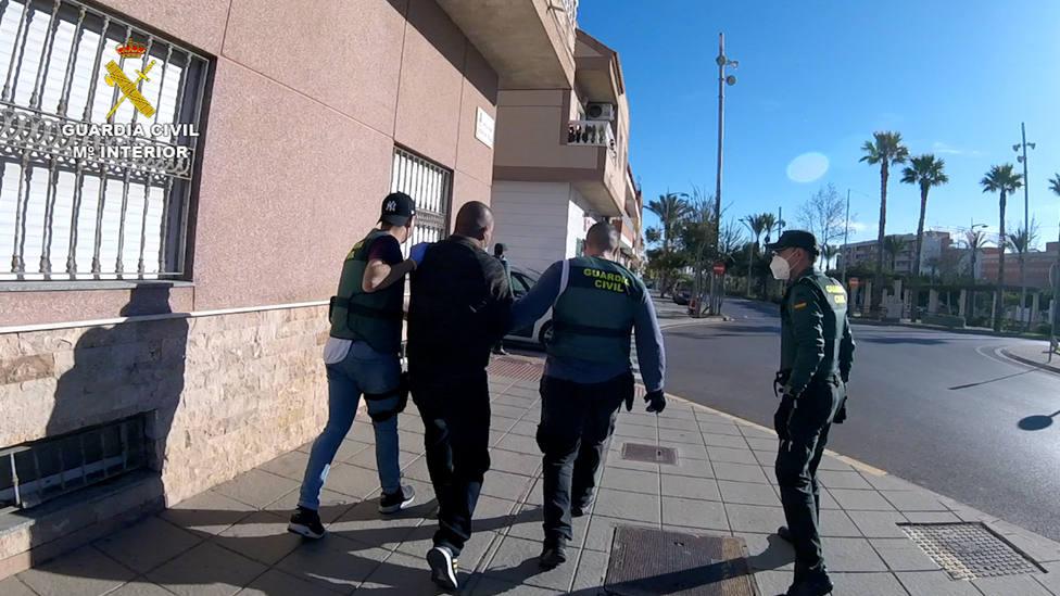 Cae en Almería una red que tramitaba permisos de residencia y rentas a falsas víctimas de violencia de género