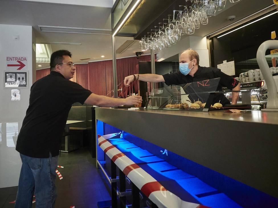 La Generalitat permitirá la re apertura del interior de los bares la próxima semana en València