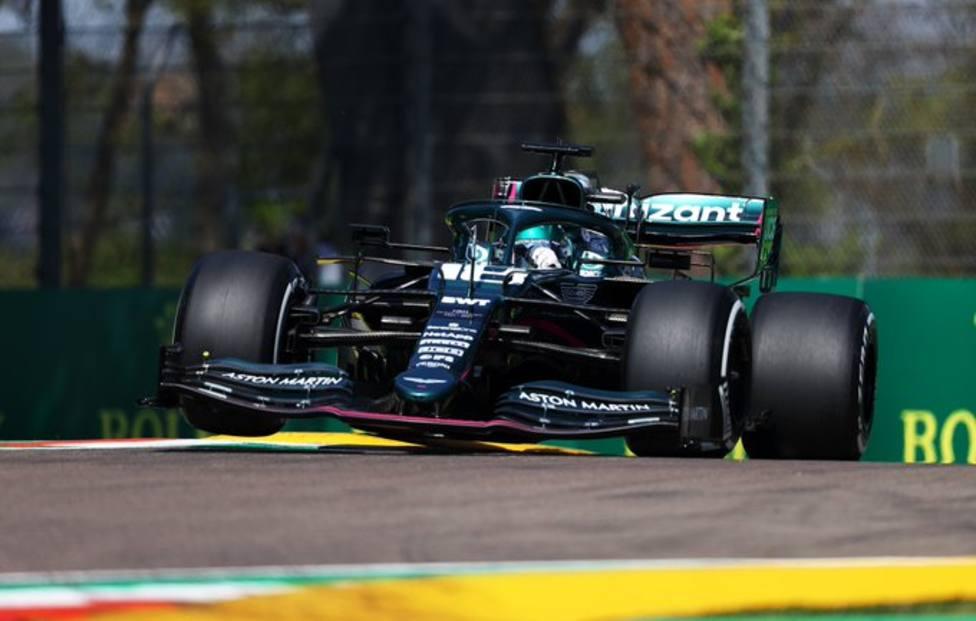 Los Mercedes mandan en Italia
