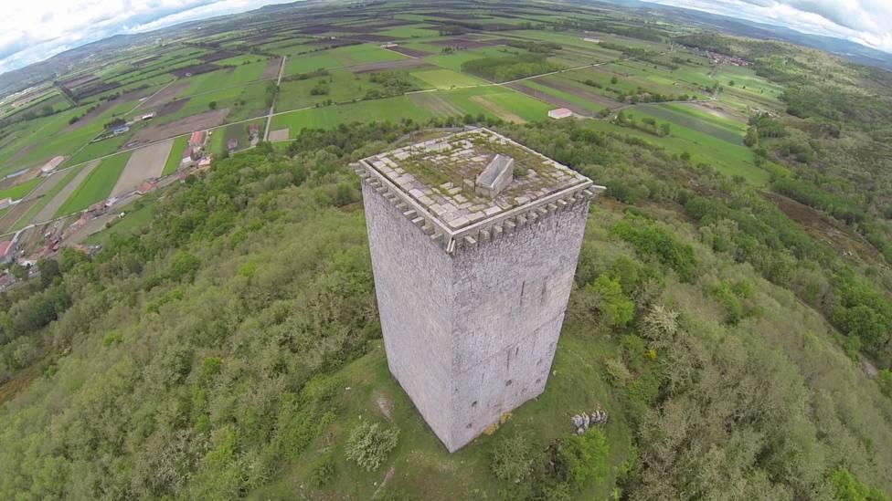 Torre da Portela y panorámica de A Limia