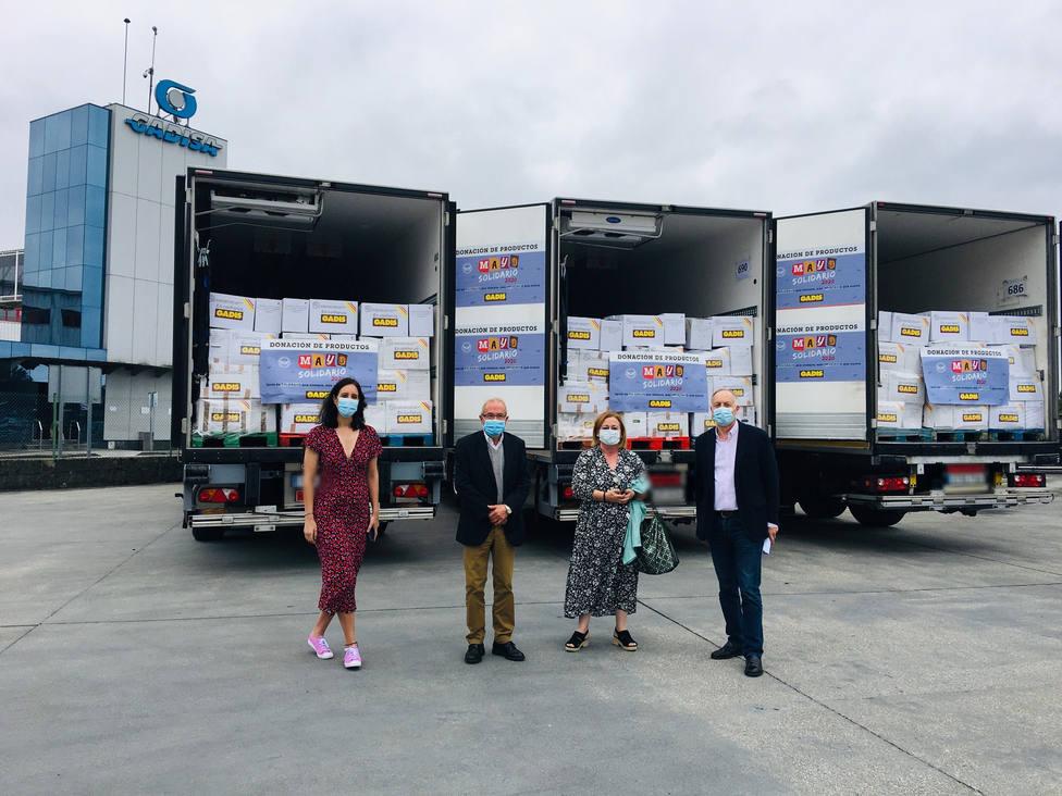 Entrega de los producto de Mayo Solidario en la sede central de Betanzos - FOTO: Gadis