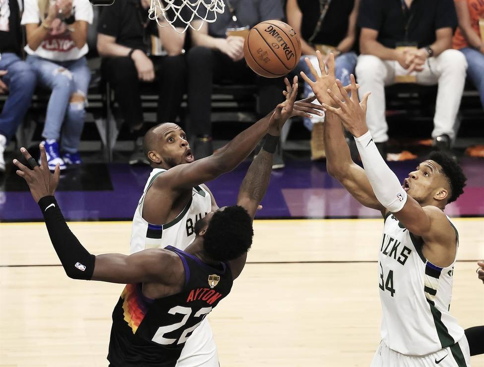 Los Suns ganan frente a los Bucks