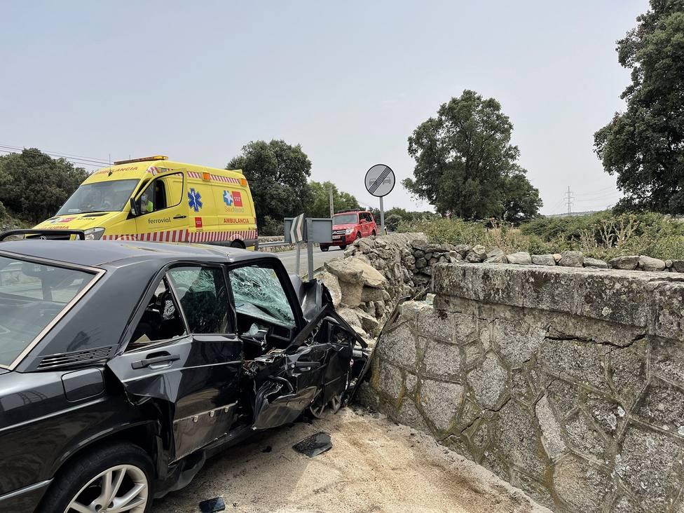 Estado del vehículo tras impactar con el muro