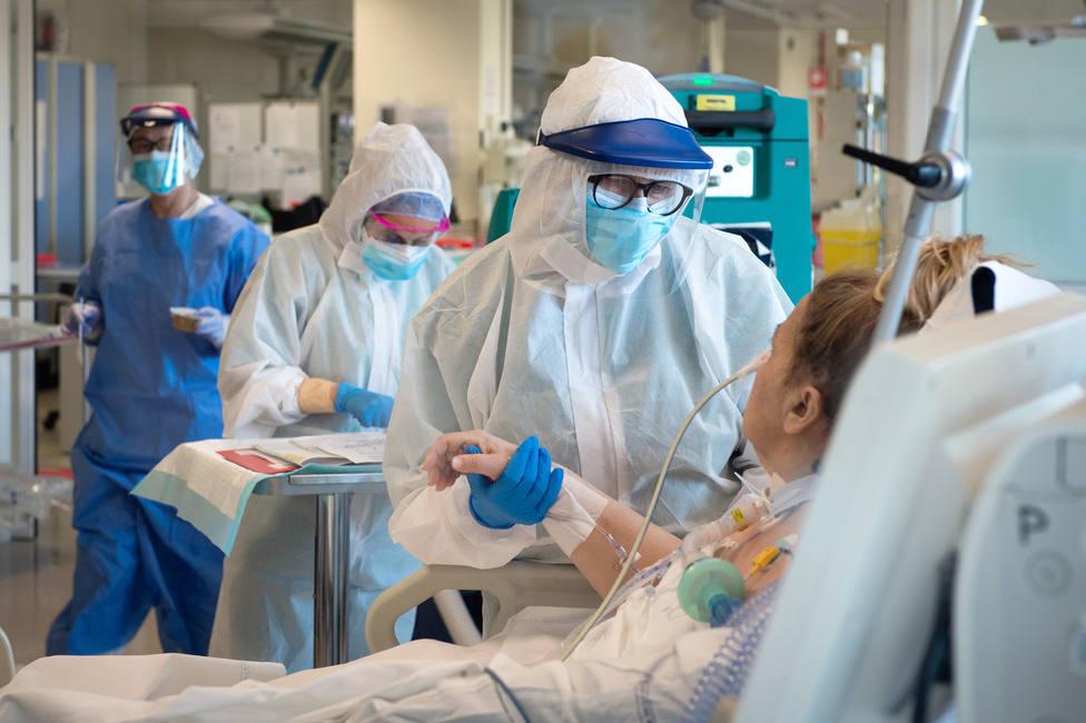 Cantabria alcanza los 100 hospitalizados por covid