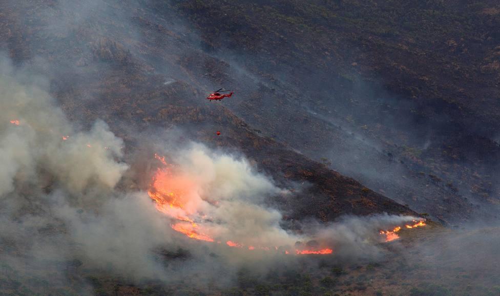 Avanza el fuego: calcinadas 7.800 hectáreas y a la espera de la lluvia