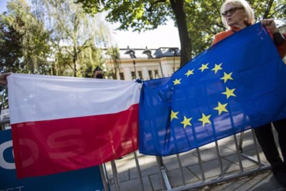 Miles de personas se manifiestan en Polonia a favor de la permanencia en la UE