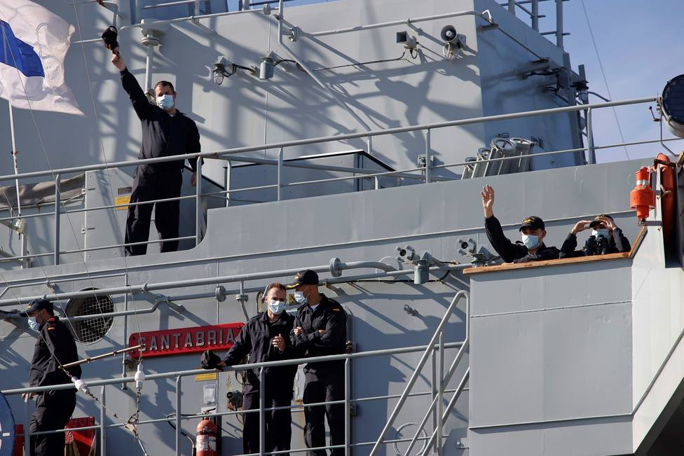 El Cantabria a su llegada a Ferrol tras un despliegue con la OTAN - FOTO: EFE / Kiko Delgado