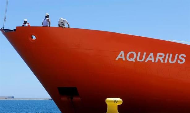 Huyen 28 menores llegados del Aquarius y 16 son localizados a las pocas horas