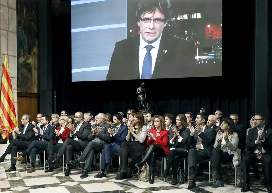 Puigdemont activa un Consejo para avanzar hacia la república desde Bruselas