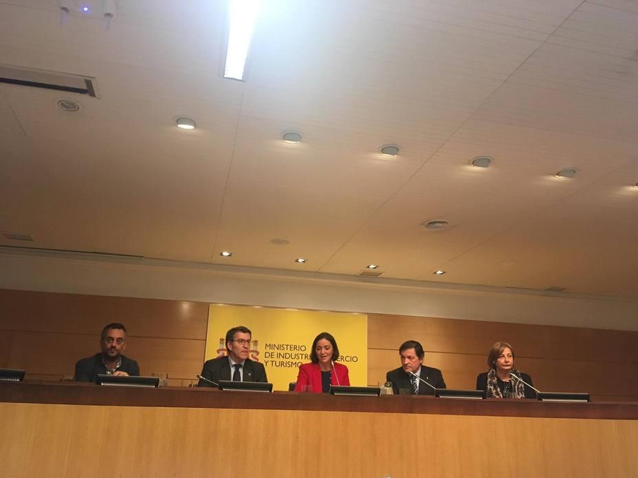 Galicia y Asturias coinciden con el Gobierno en instar a Alcoa a retirar el ERE y sentarse a negociar