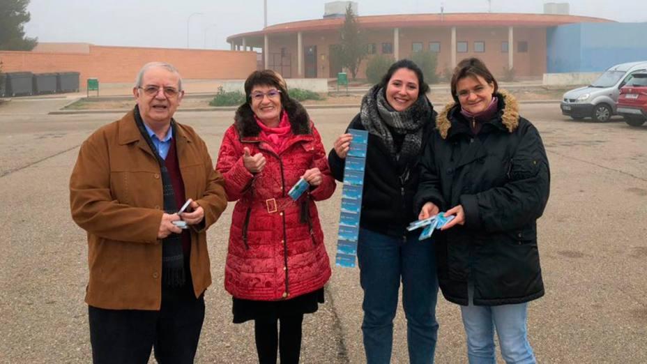 """La campaña """"Minutos de Esperanza"""" ha recaudado 12.500 euros para que los preos hablen con sus familias"""