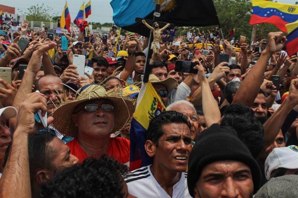 Llega el primer vuelo de ayuda humanitaria a Venezuela