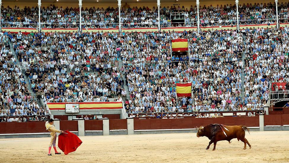 Miguel Ángel Perera citando a Portugués de Núñez del Cuvillo este domingo en Las Ventas