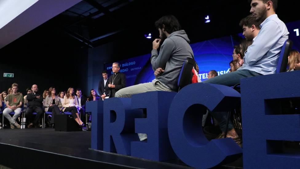 El secretario general de la CEE a los jóvenes: Atreveros a ser gente contracorriente