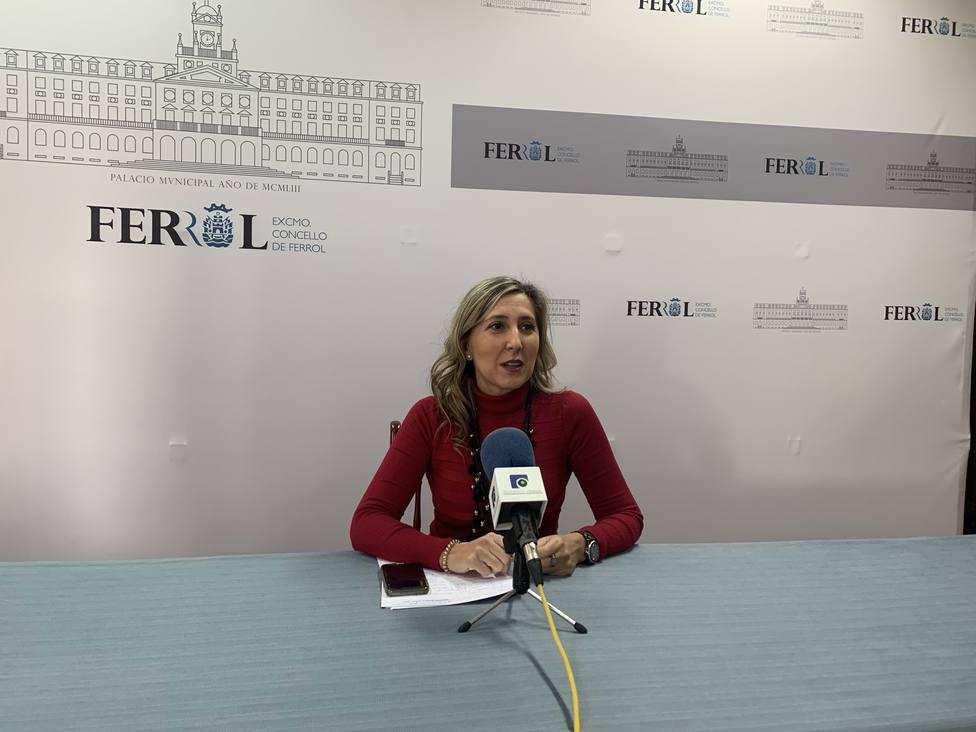La portavoz adjunta del Grupo Popular, Martina Aneiros, en rueda de prensa