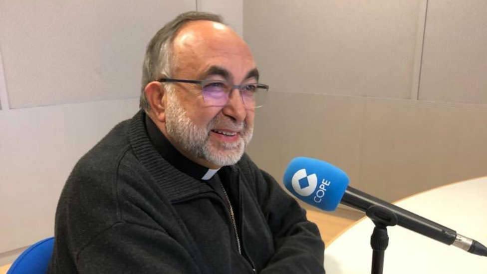 El Arzobispo de Oviedo: Santina, salva España