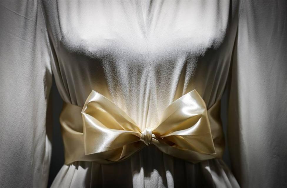 El Museo Balenciaga celebra el 125 aniversario del modisto con dos exposiciones