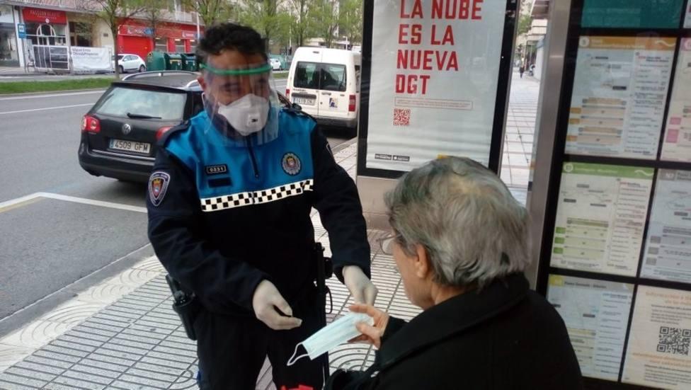 El Ayuntamiento de Burgos ha distribuido entre el lunes y el martes 10.000 mascarillas