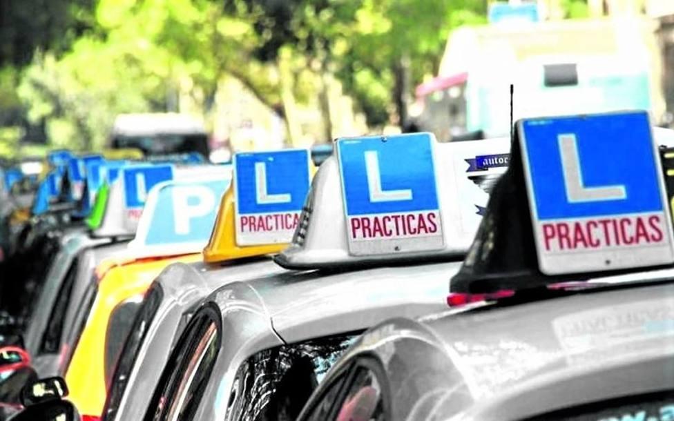Las autoescuelas cartageneras convocan una manifestación por la falta de exámenes