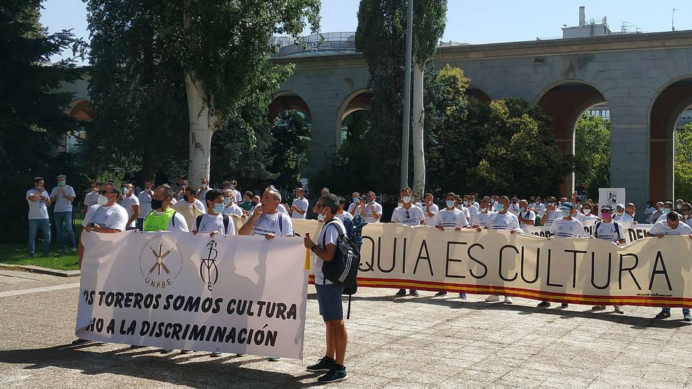 Las cuadrillas de subalternos y mozos de espadas, ante el Ministerio de Trabajo