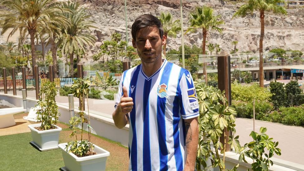 David Silva, nuevo jugador de la Real Sociedad (@RealSociedad)